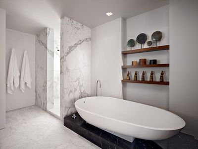 26 Ideas For Beautiful Gray Bathrooms