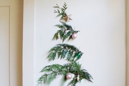 how to create a merry small space wall christmas tree - How To Decorate Small Room For Christmas
