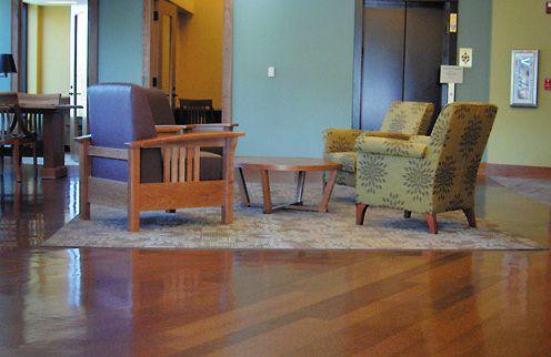 pisos de sala de estar de tablones de corcho