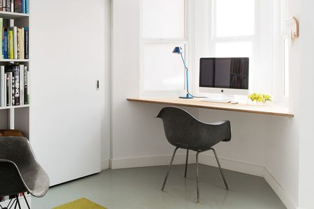 Corner Desk In Front Of Window Pause Design