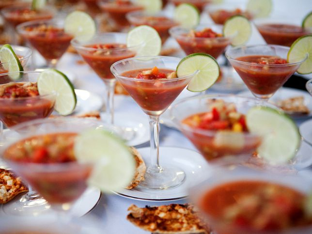 Unique Wedding Catering Options That Save Money