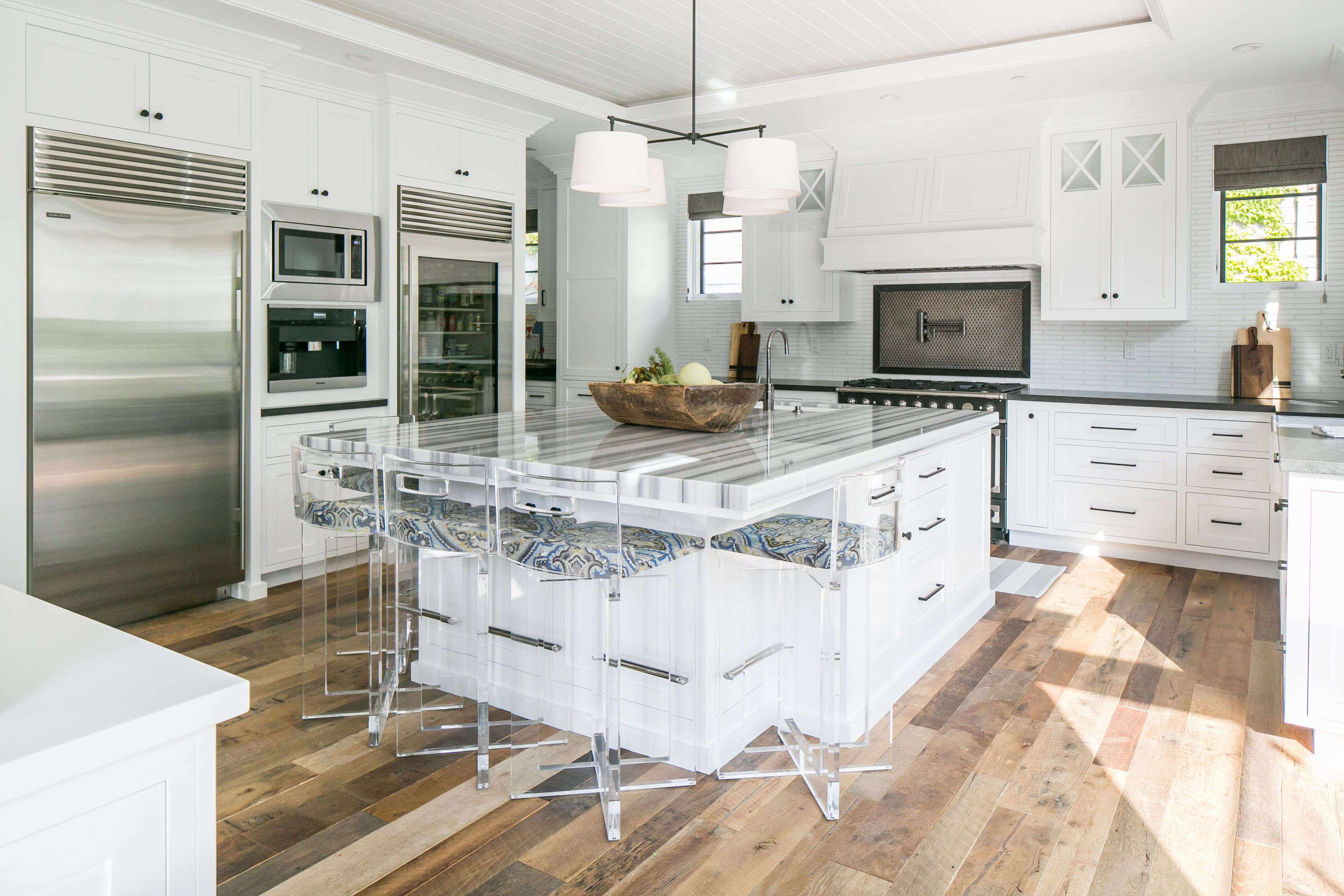 striped marble countertop