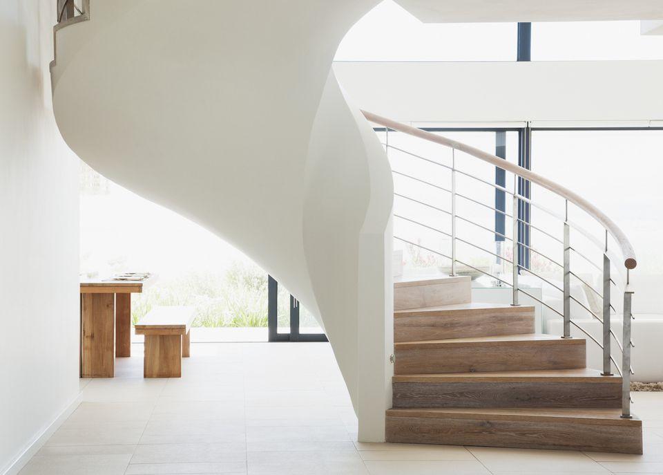 feng shui tips staircase center home