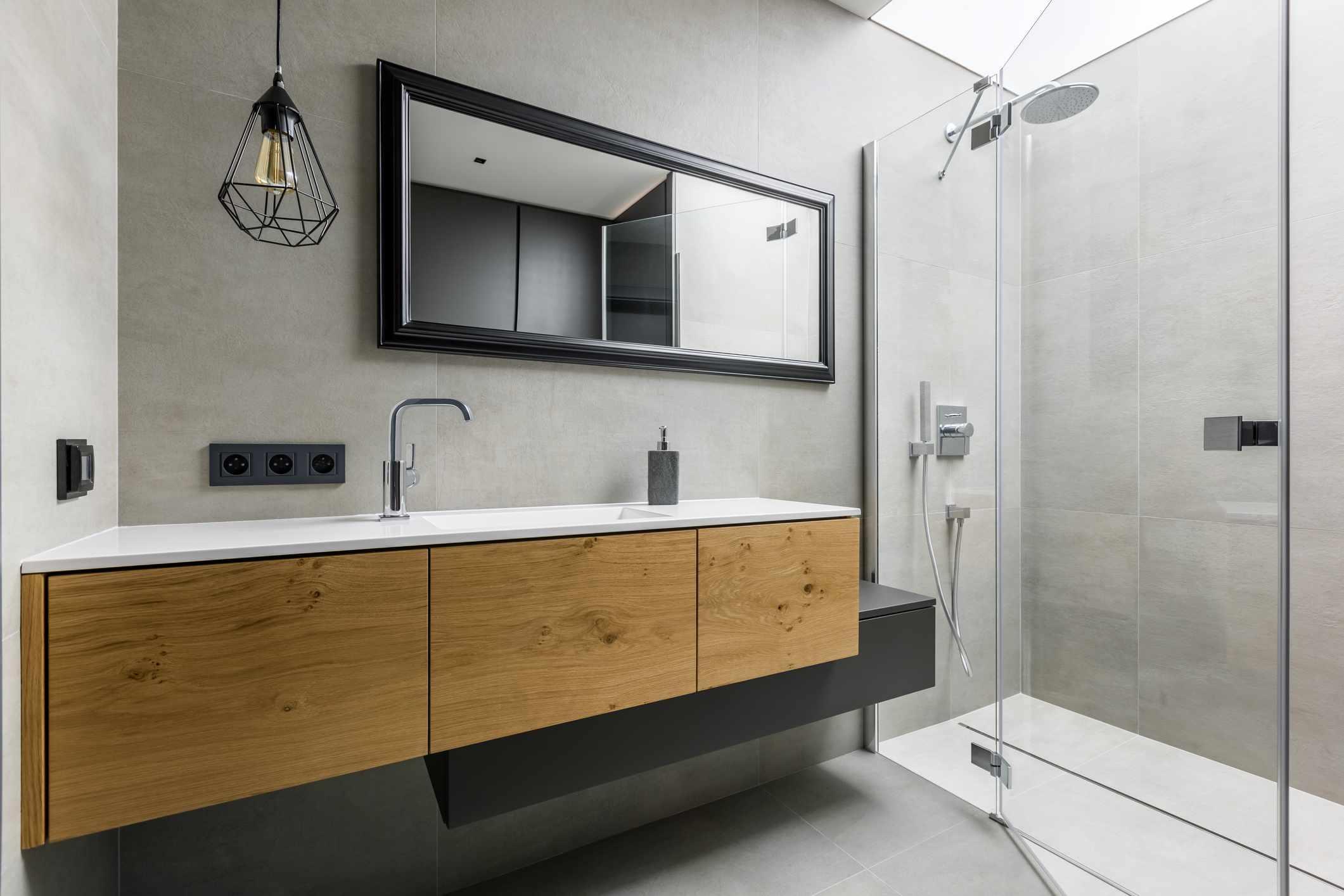Industrial style contemporary bathroom