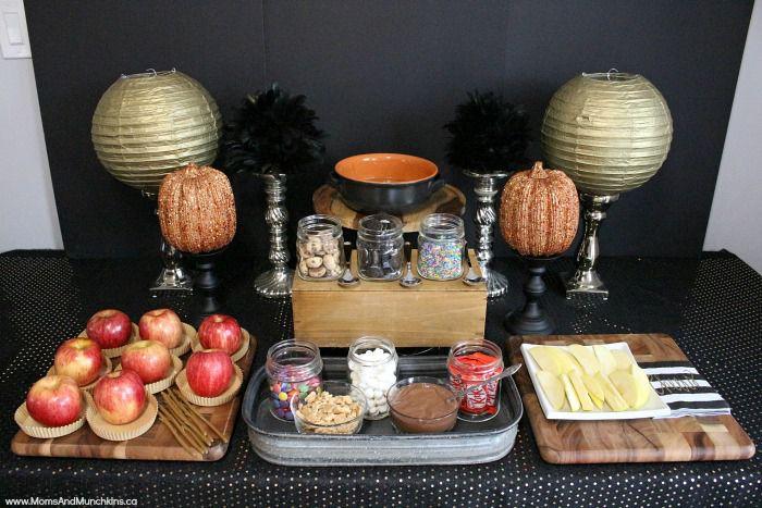 Bufé de manzana de caramelo con coberturas