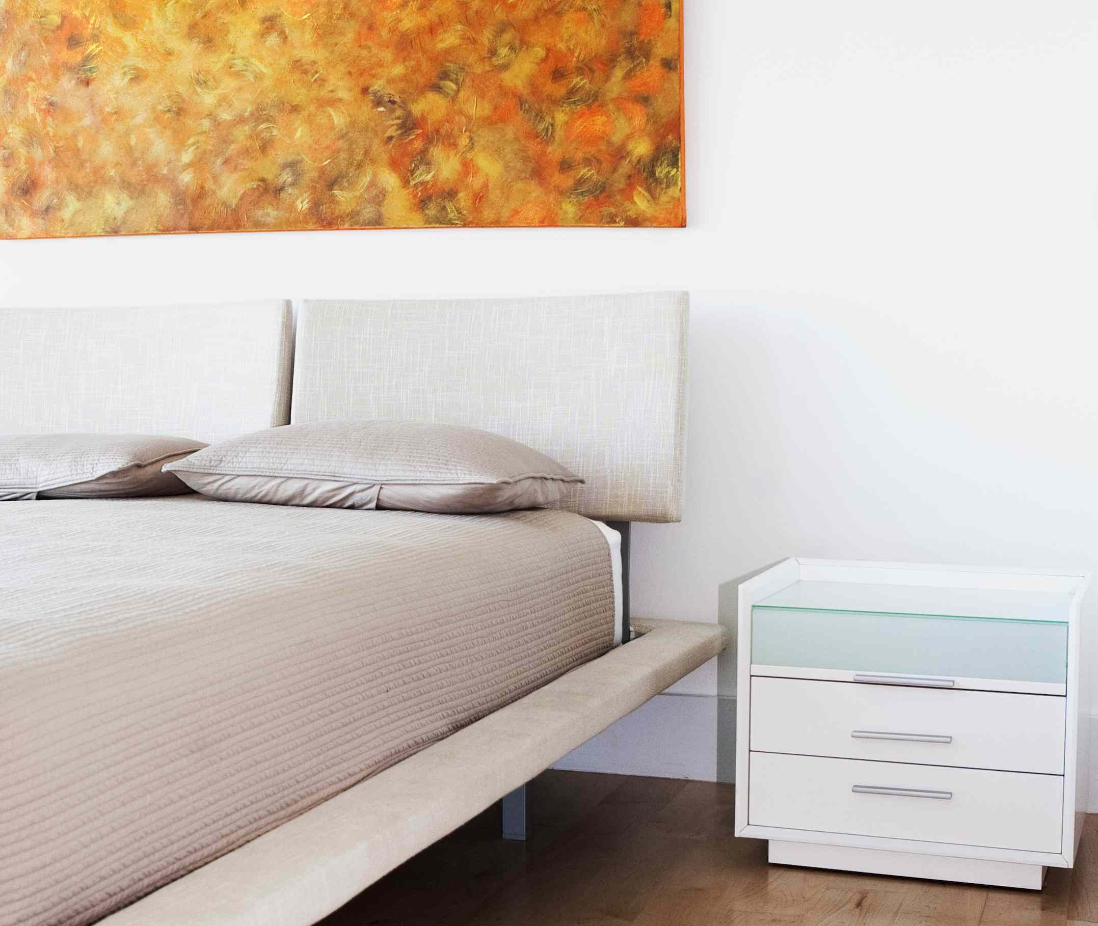 10 Worst Feng Shui Bed Headboards
