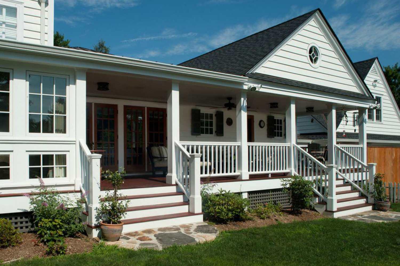casa histórica y porche