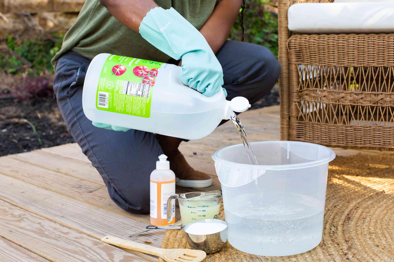 weed killing solution using vinegar