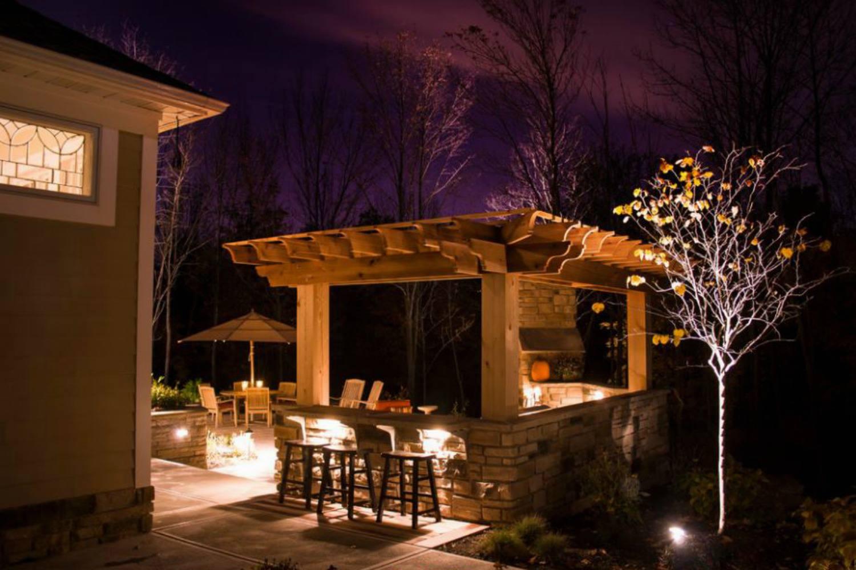 Outdoor kitchen pergola