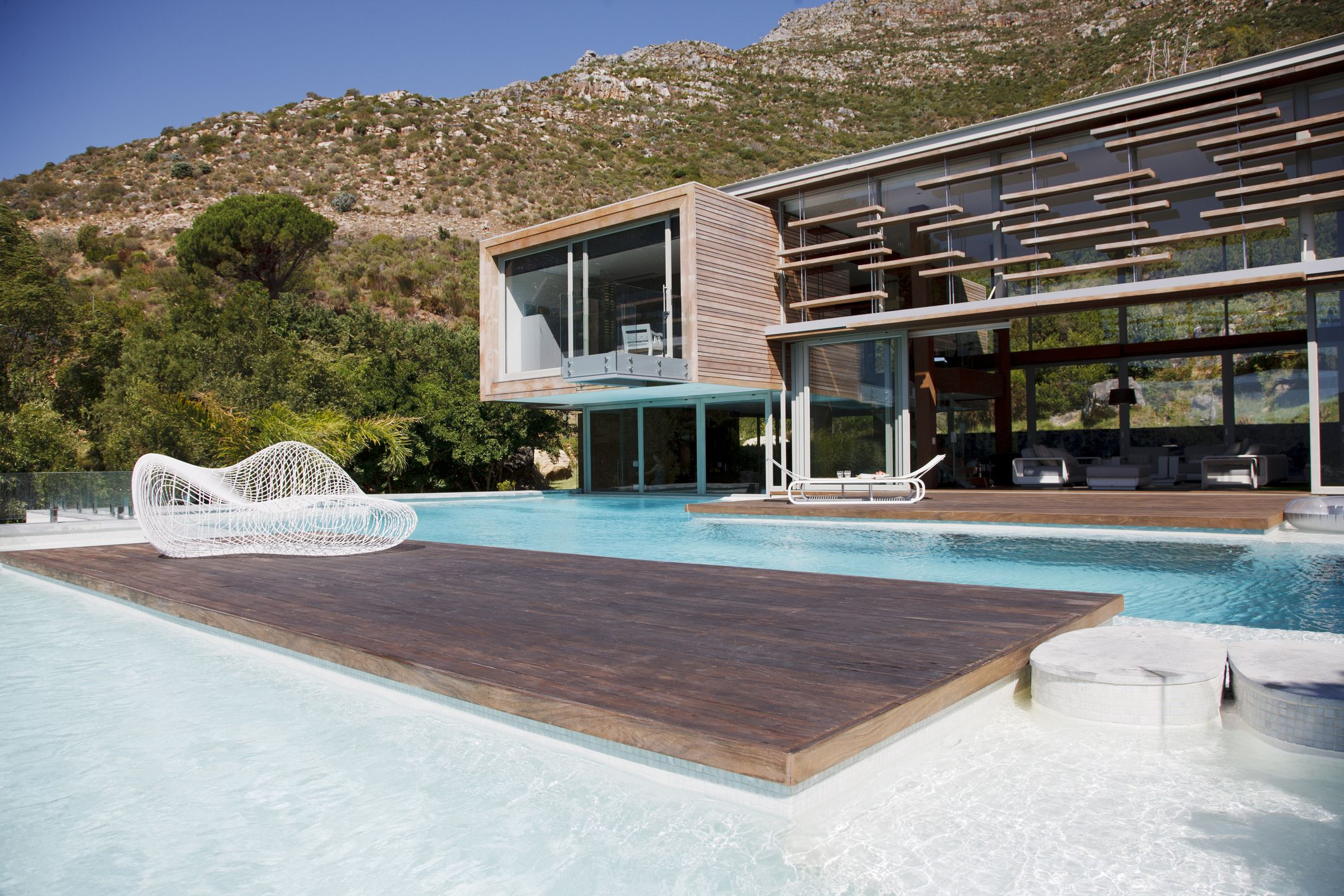 A Guide to Swimming Pool Types, Designs, and Styles