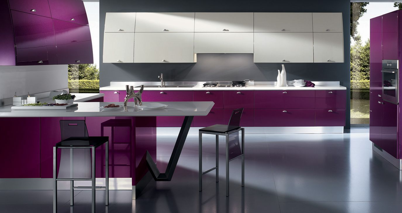 Diseño de cocina ultramoderno brillante púrpura
