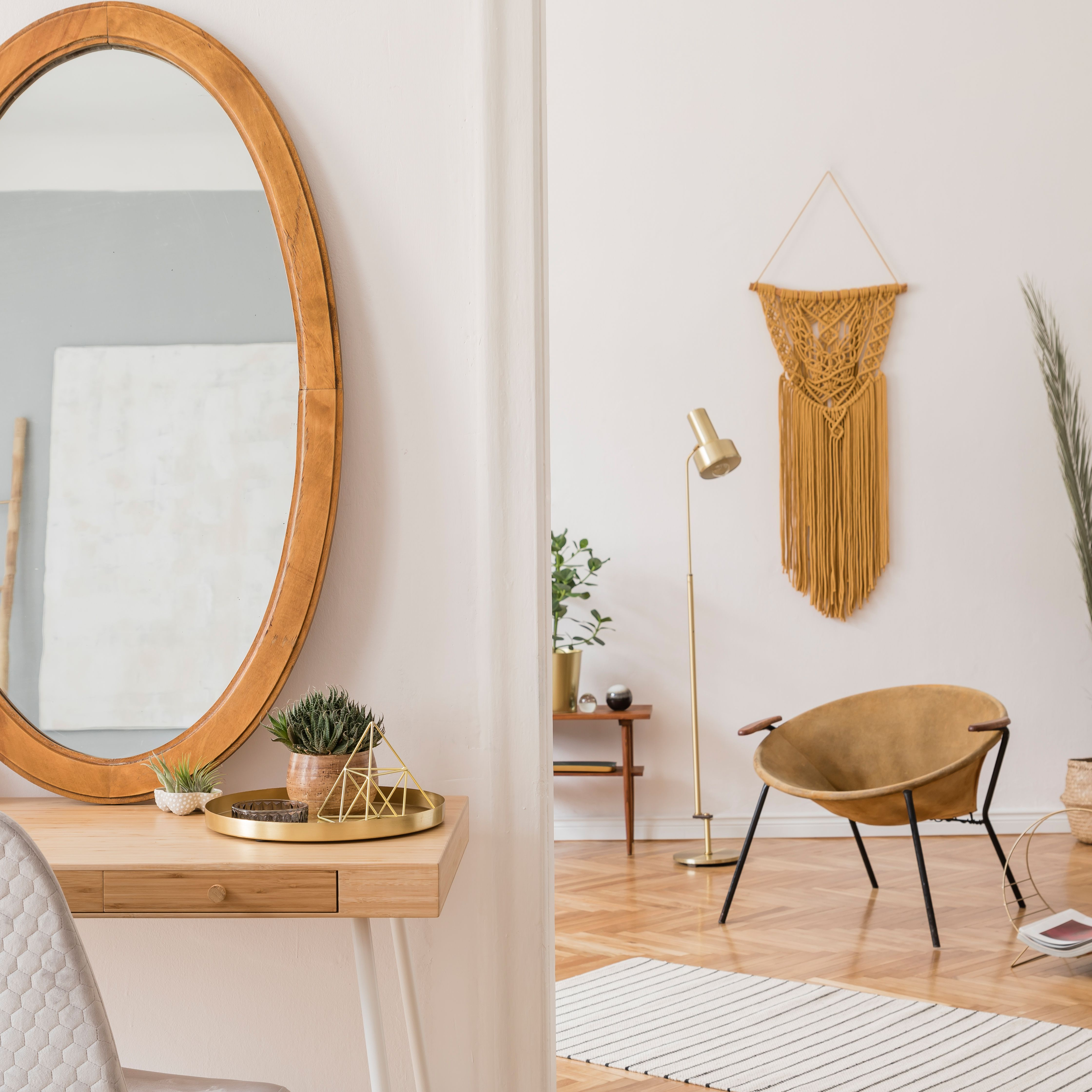 Staging Your Home With Mirrors To Enlarge The Space