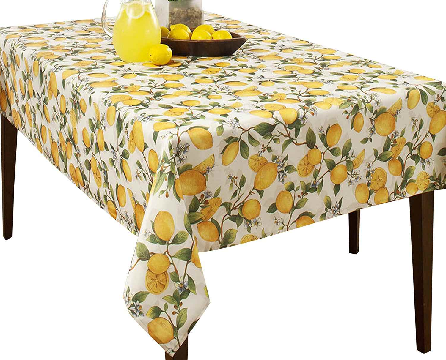 The 4 Best Pretty And Practical Outdoor Tablecloths Of 2020