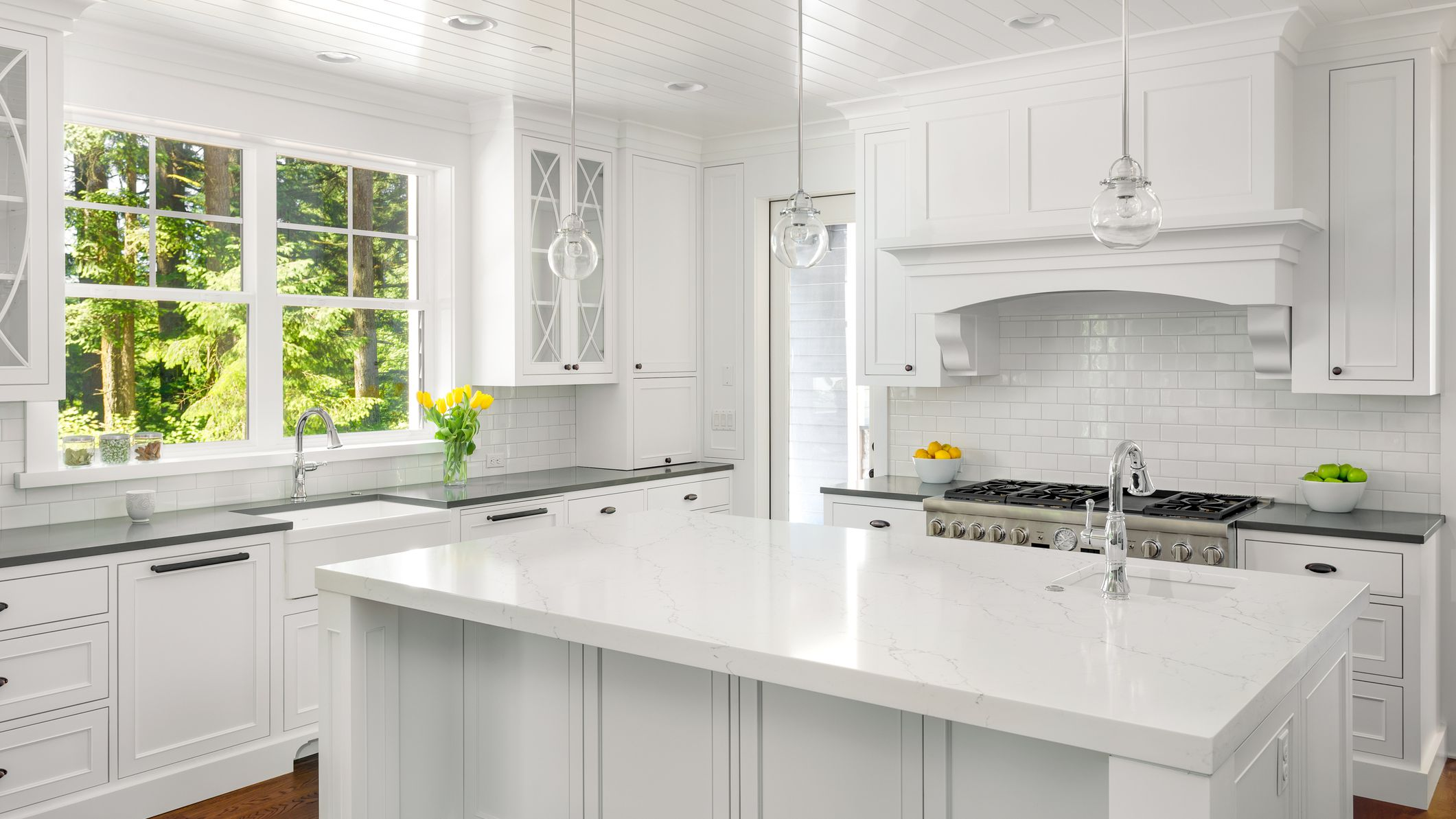 White Kitchen Cabinets With White Quartz Countertops 17 Beautiful Quartz Kitchen Countertops