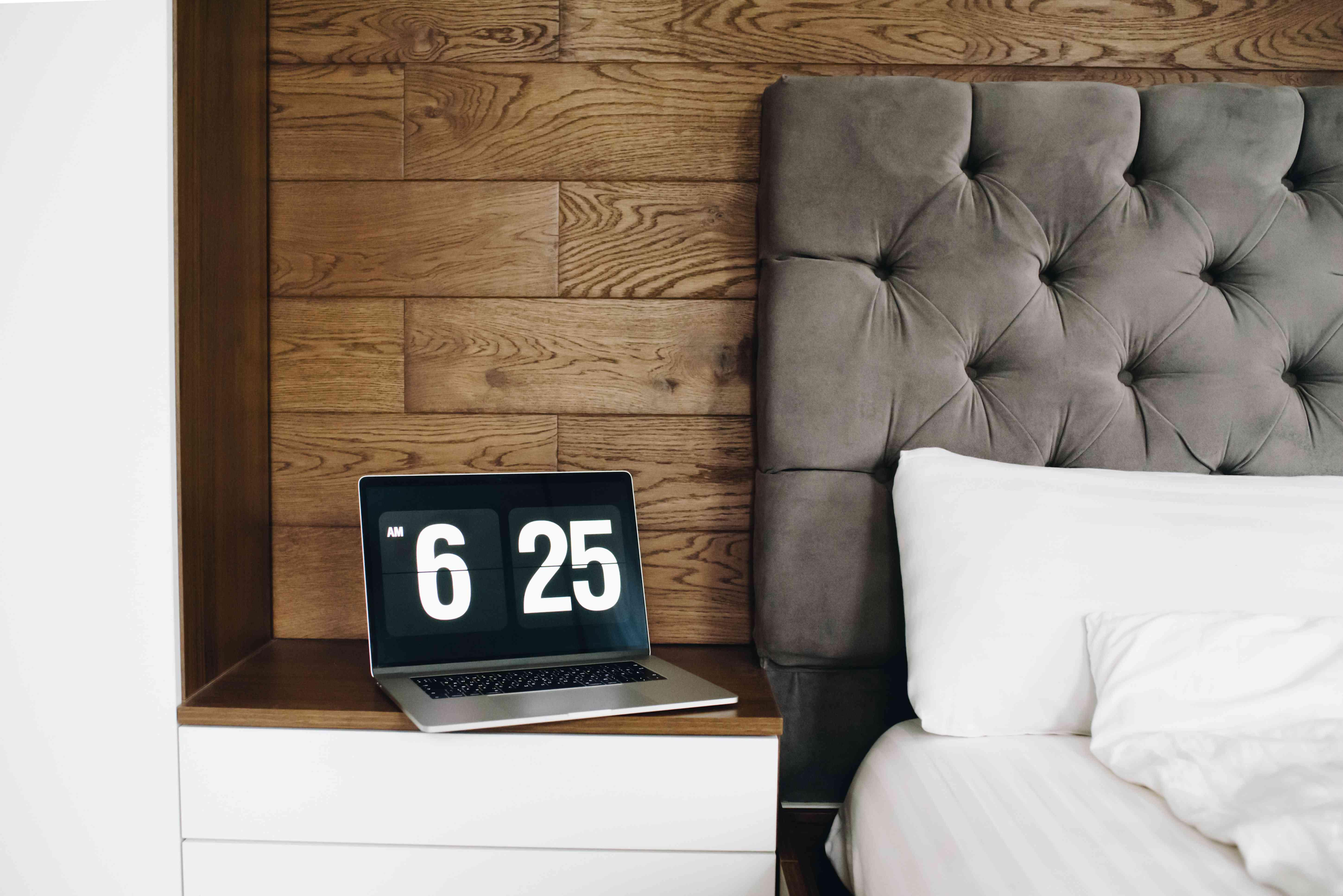 headboard on bed