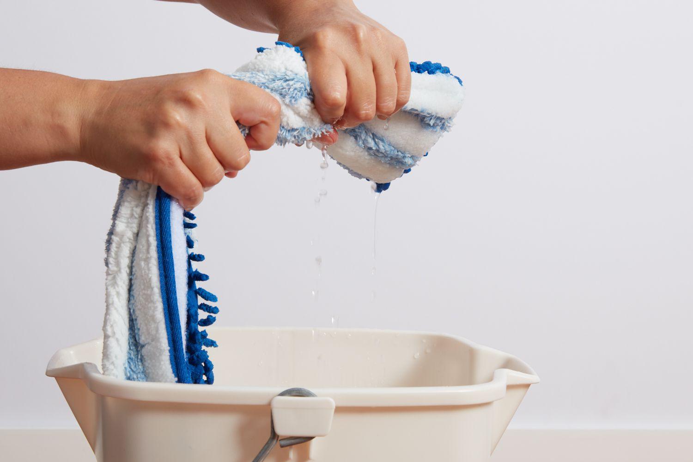 Wet microfiber mop