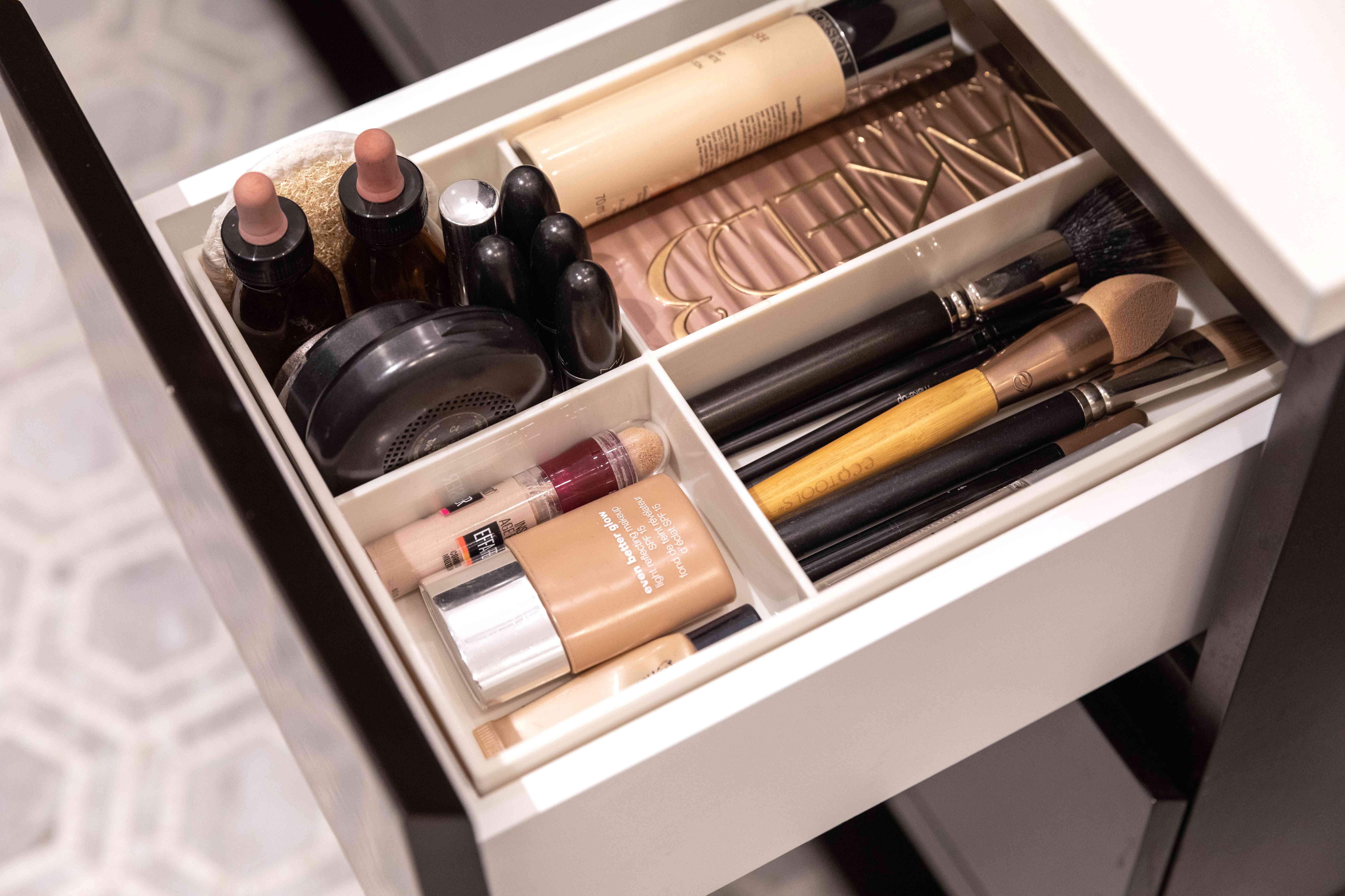 keeping an organized vanity drawer