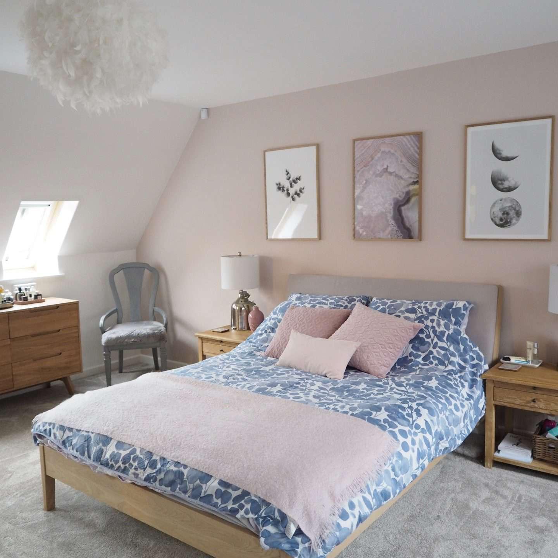 Jen Thorne pink room