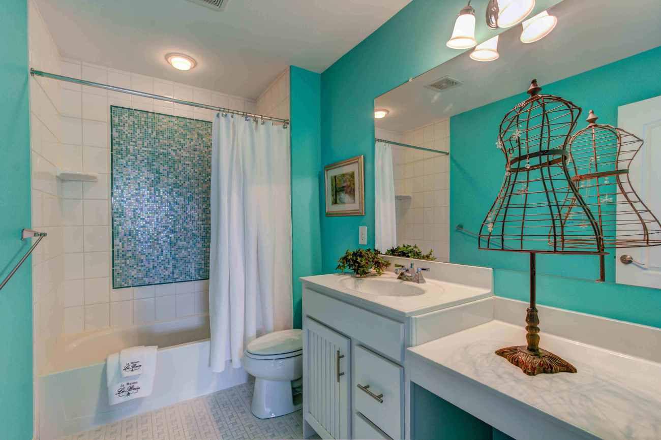 baño para adolescentes verde azulado