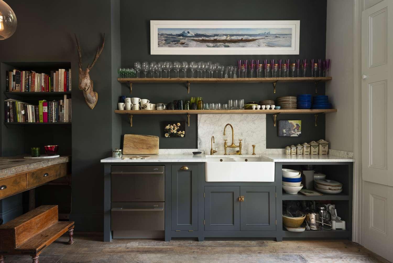 Classic English kitchen from deVOL.