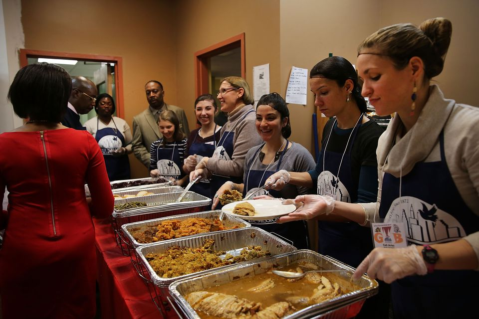 New York Rescue Mission Hosts Thanksgiving Meal For The Needy