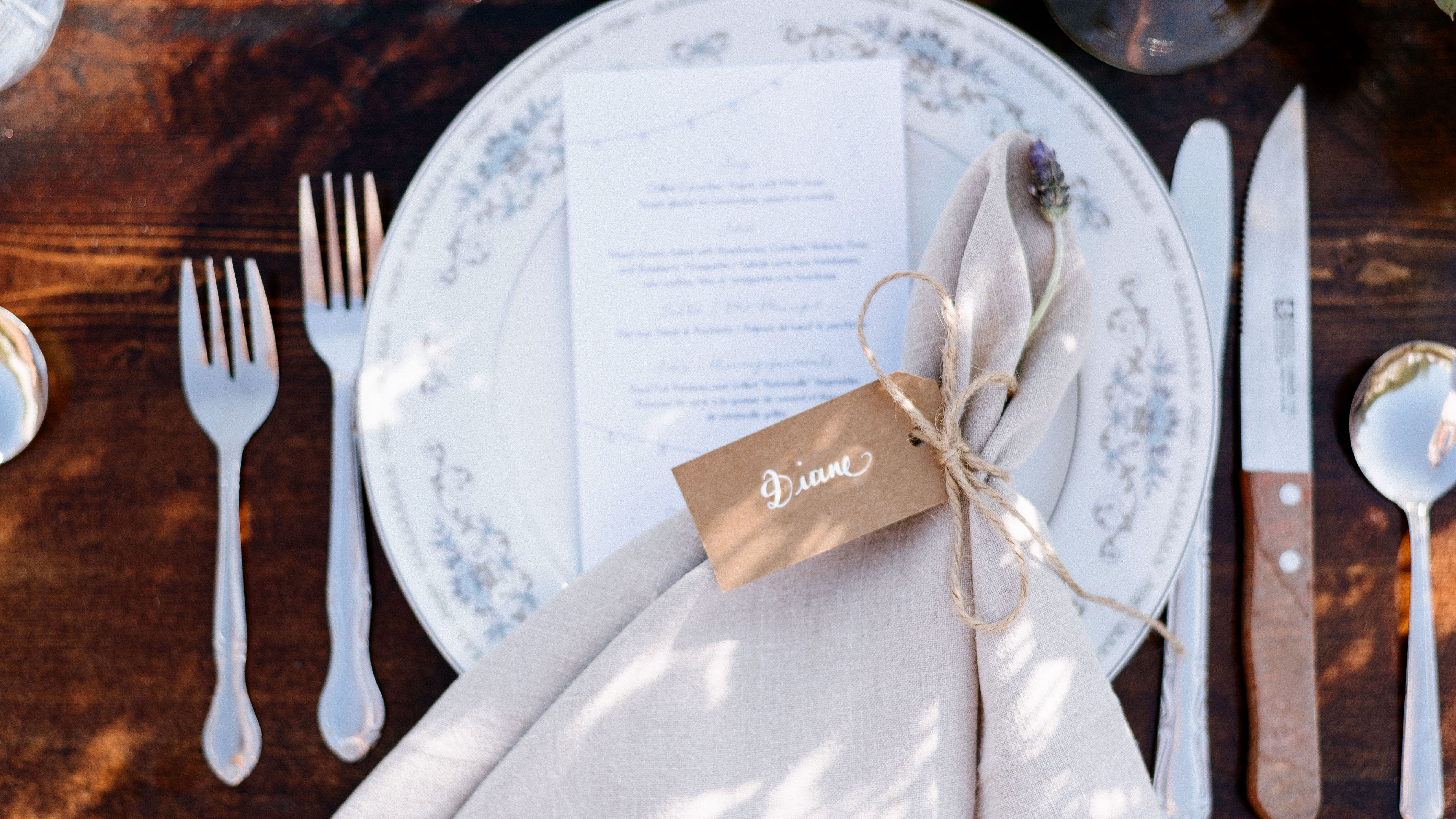 7 Free Wedding Place Card Templates