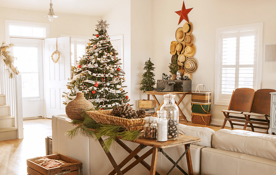 Christmas decor with rustic details