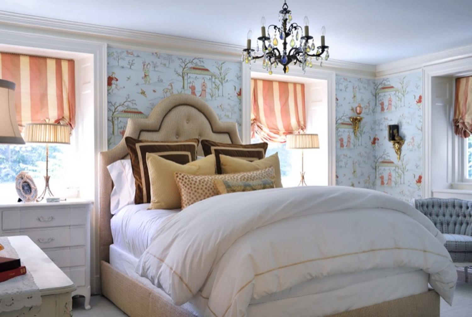 Ideas for French Country-Style Bedroom Decor