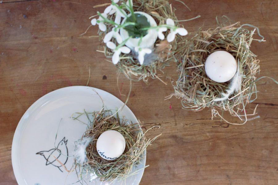 Hen's Nest Place Setting