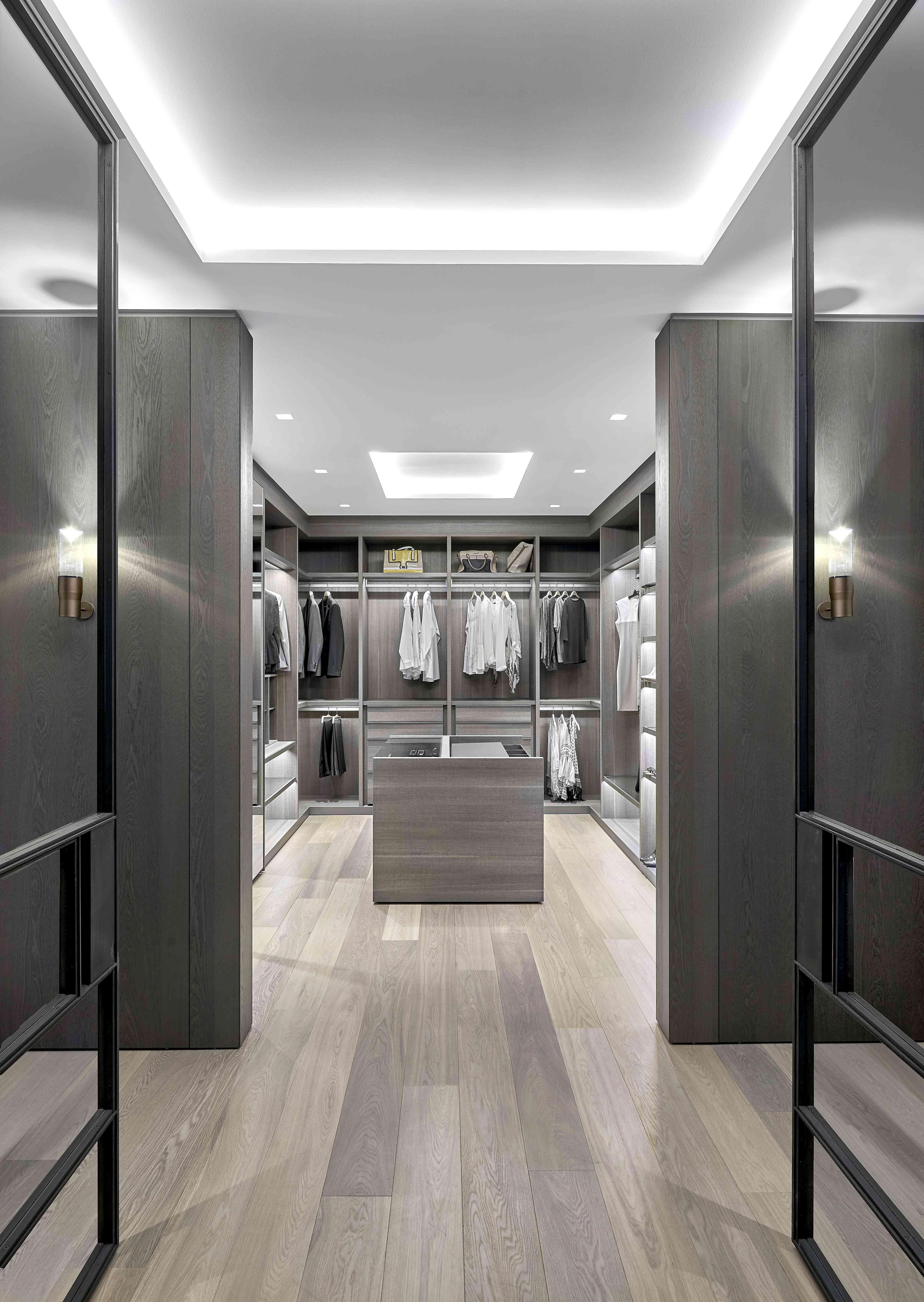 Modern walk-in men's closet