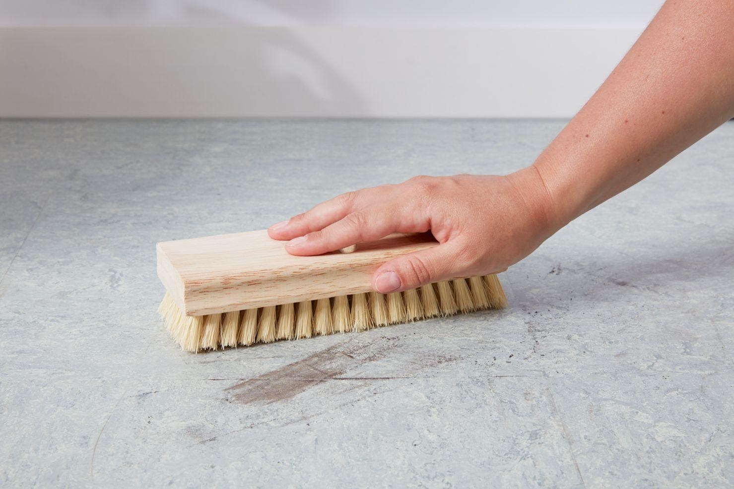 Scrubbing stain on linoleum floor