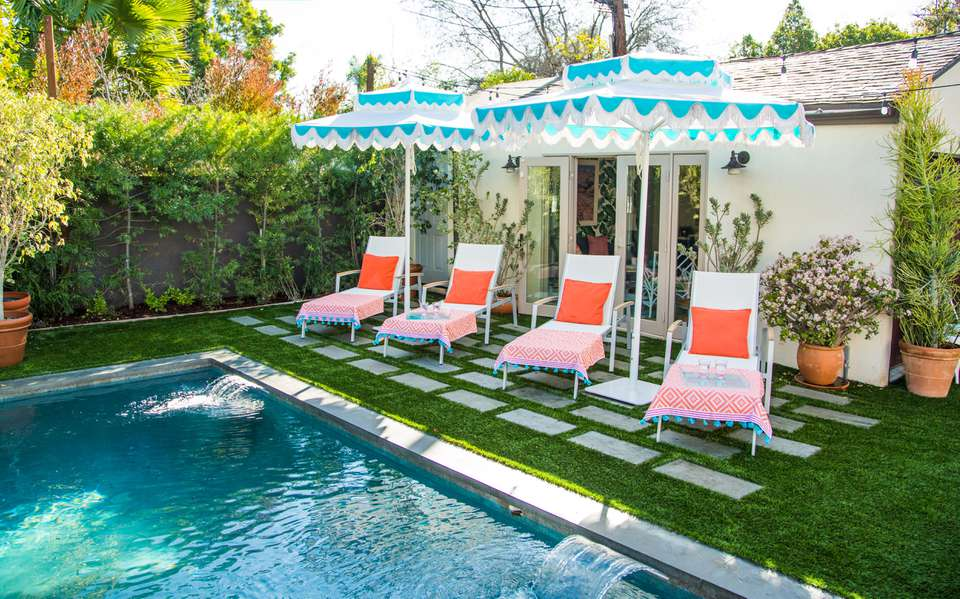 Pool house decorating ideas