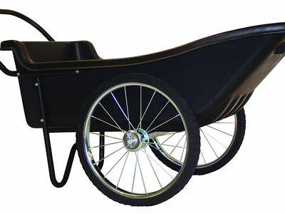 How to Choose Between a Wheelbarrow or Garden Cart