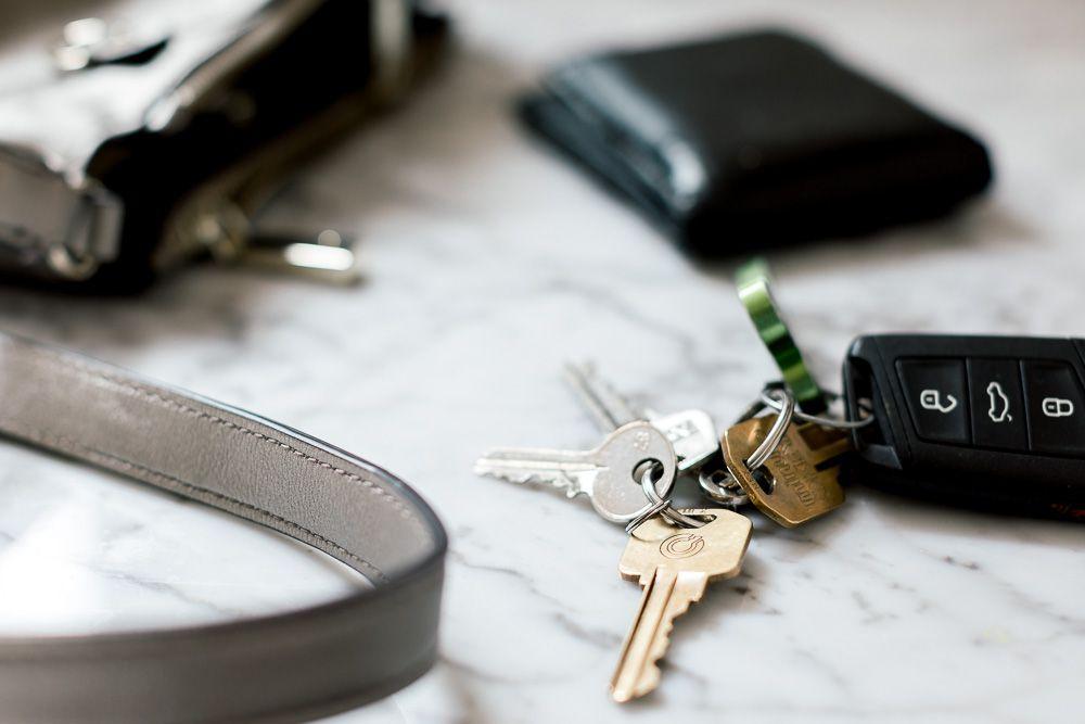 keys wallet and handbag