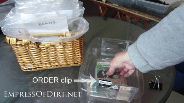 using plastic baggies to store seeds