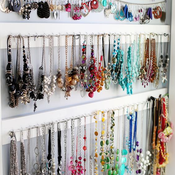 Large Earring Display Holds Hundreds of Earrings