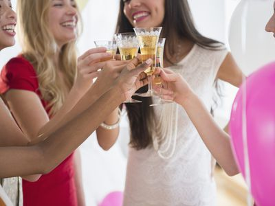 fd5baf6efc27 What Are Good Bachelor and Bachelorette Party Games to Try