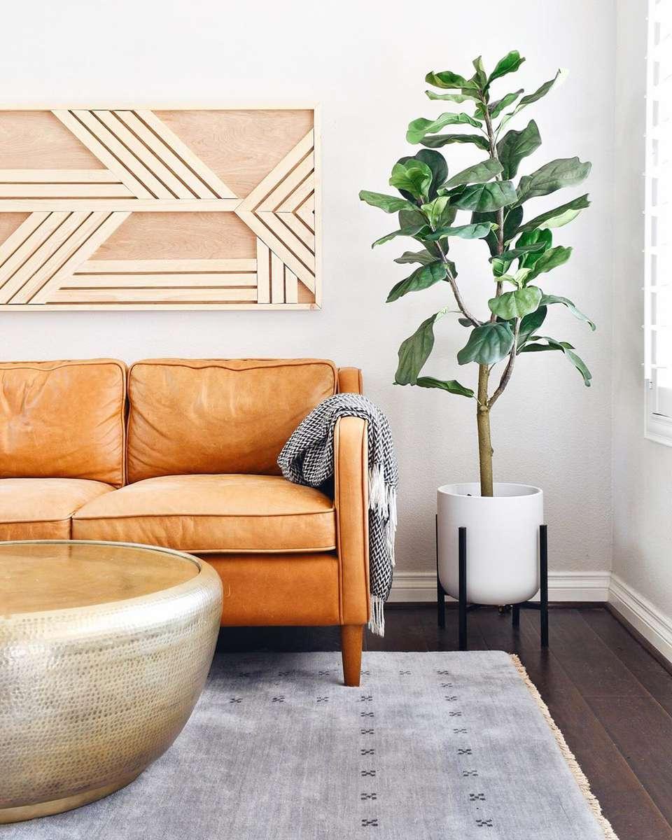 Sala de estar con sofá de cuero