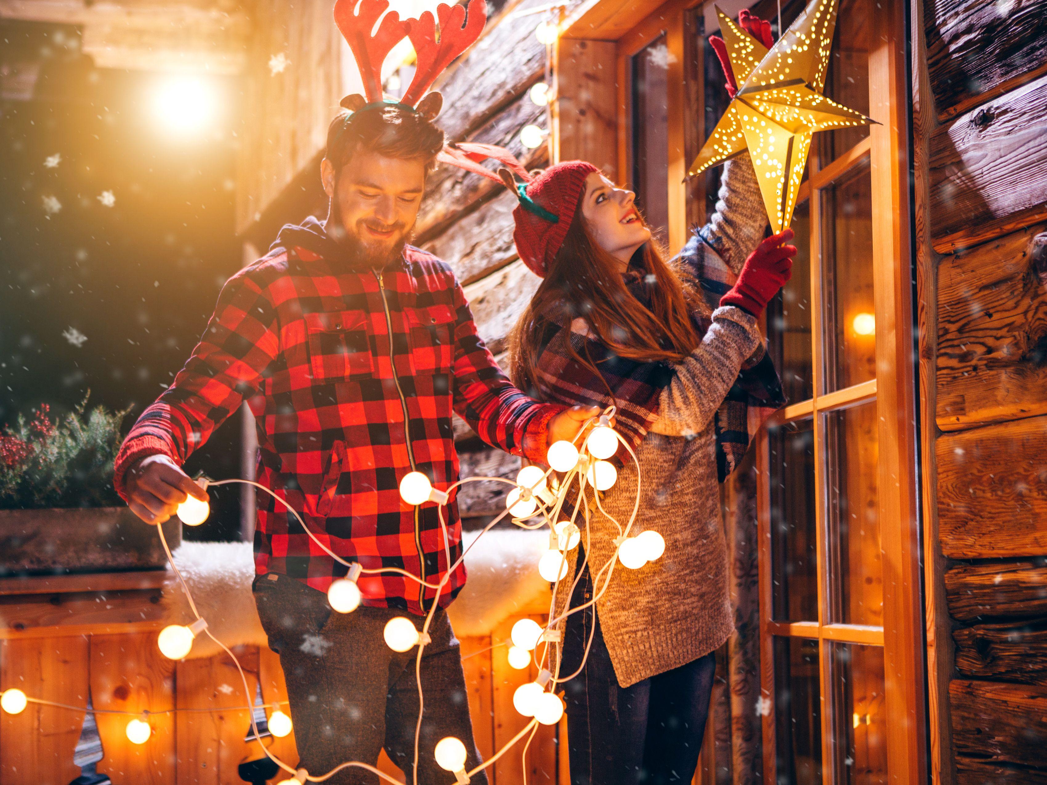 1fdb54d1f344 The 8 Best Outdoor Christmas Lights of 2019