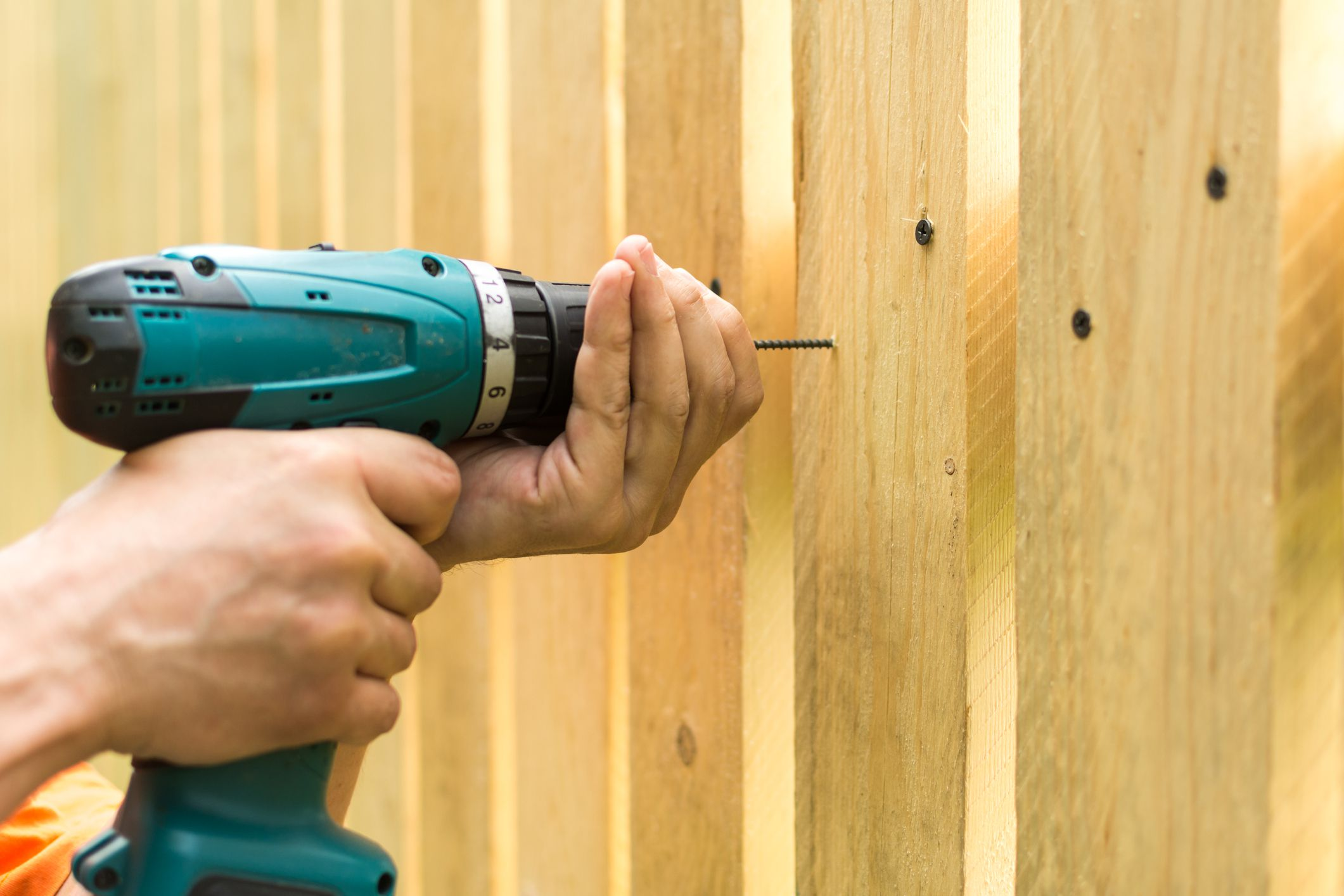 How to Build a Fence for Your Yard