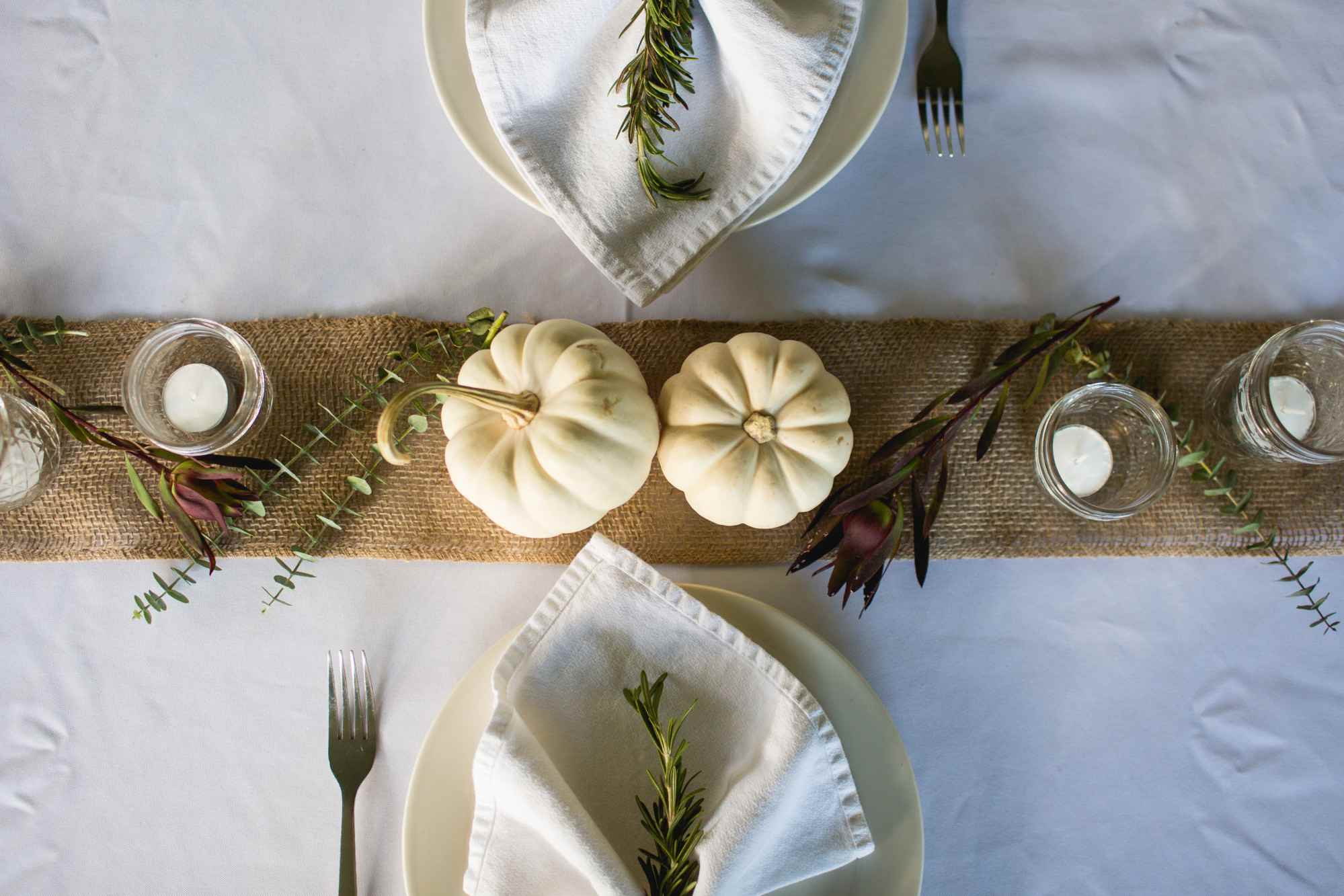 monochromatic thanksgiving place setting
