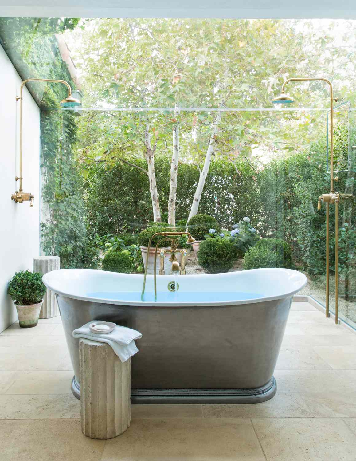What are garden tubs?