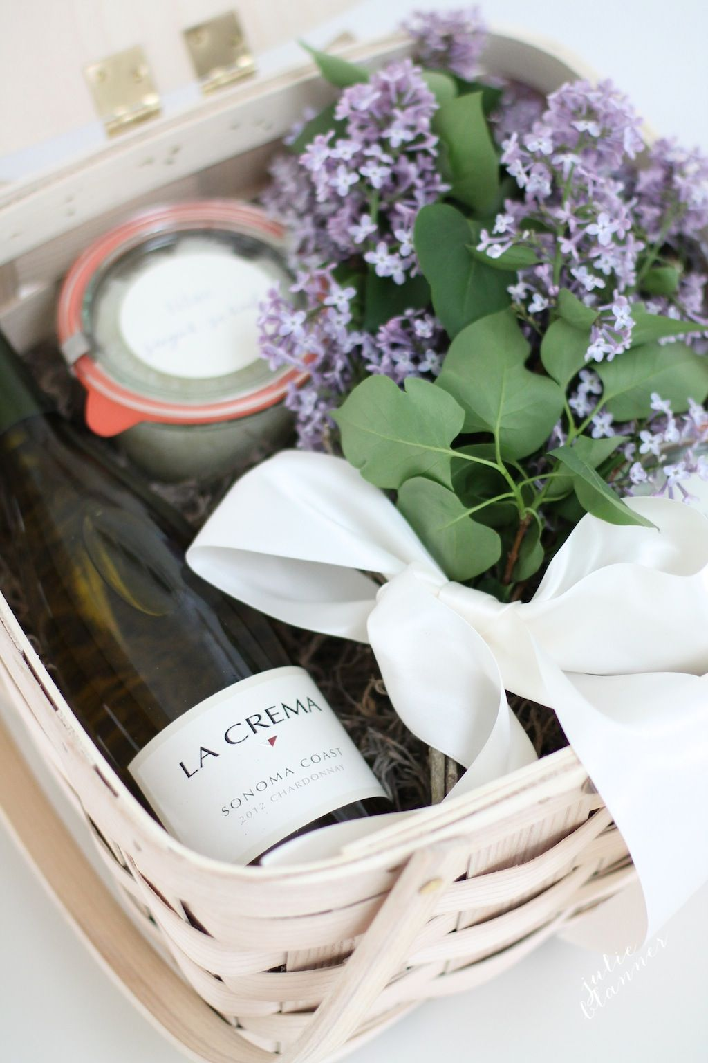 Creative Hostess Gifts That You Can DIY