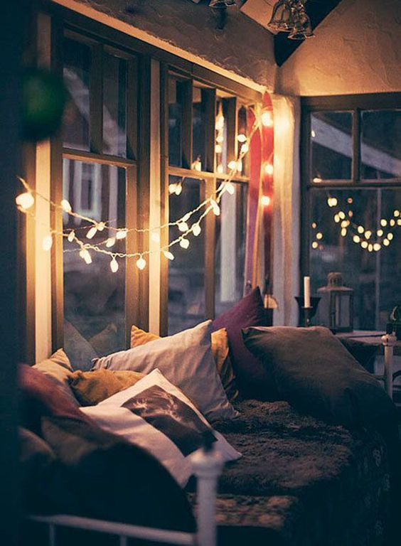 day bed with lights