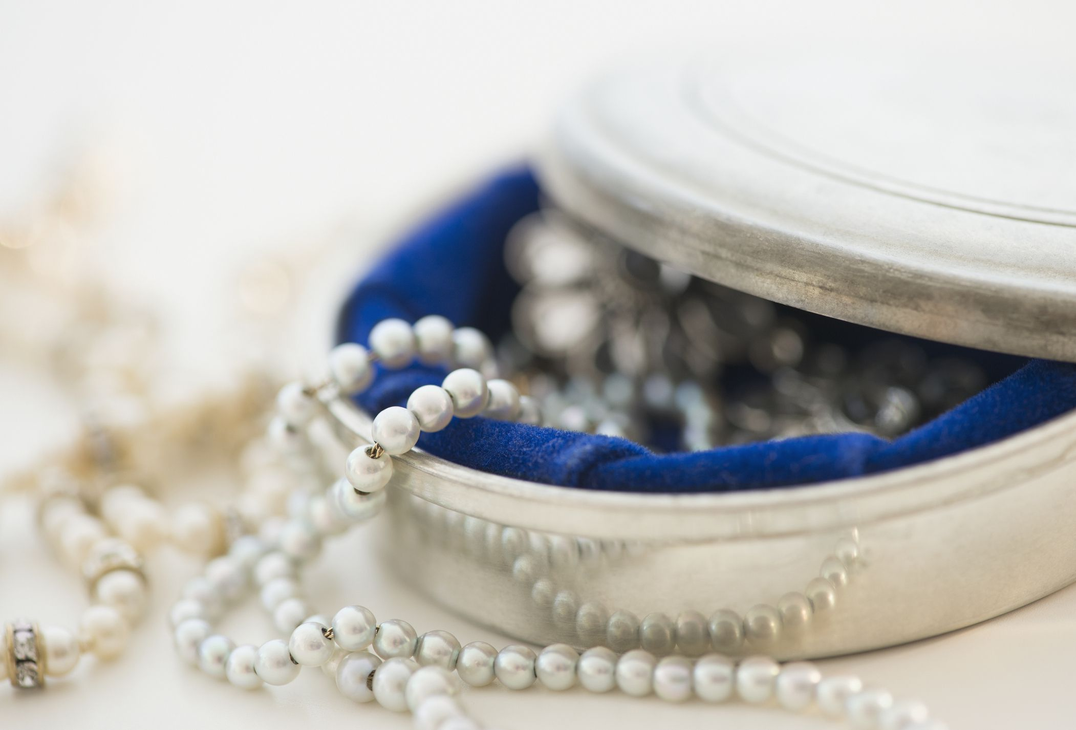 58bef05ee7a20 Proper Etiquette for Wearing Jewelry
