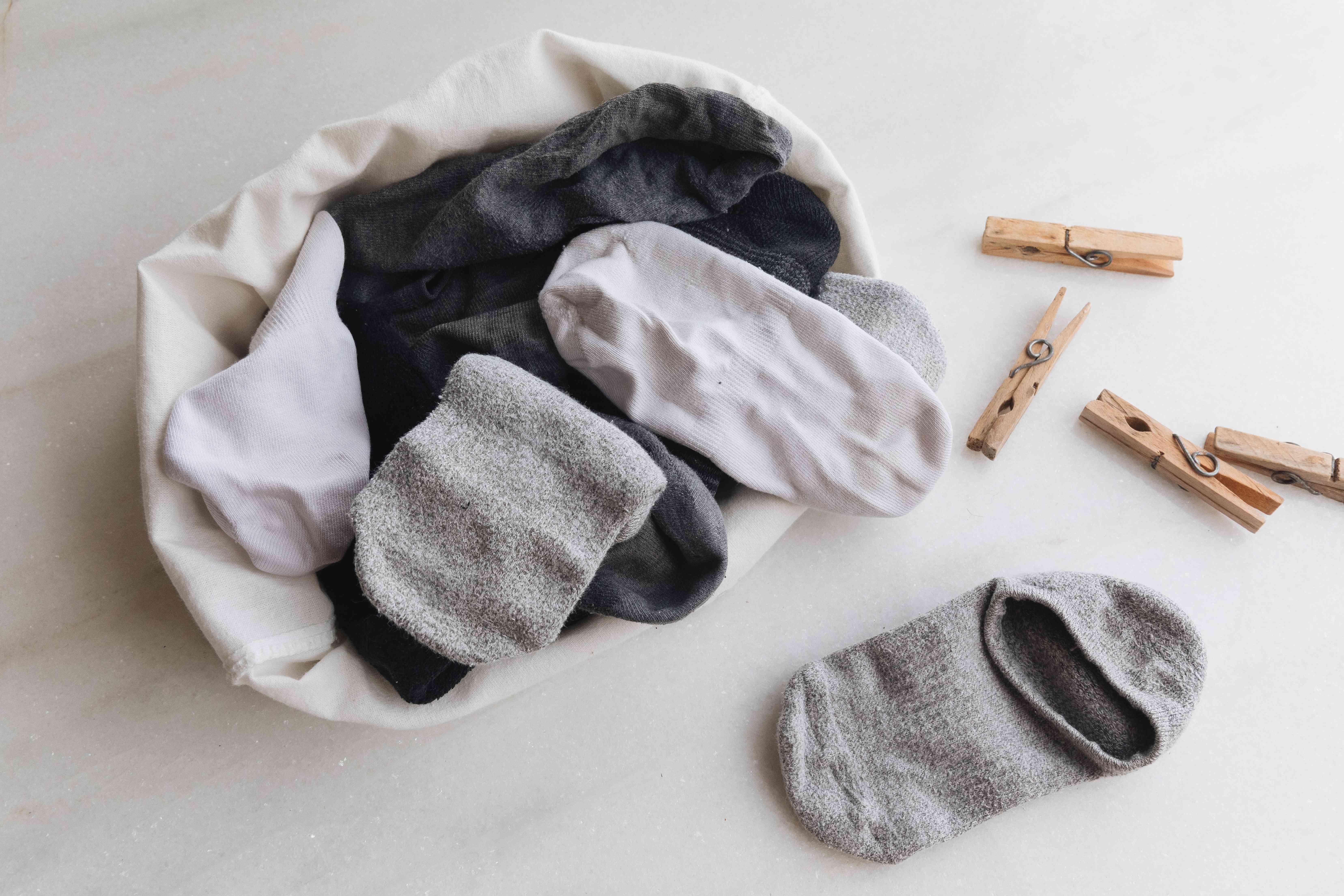 loose socks
