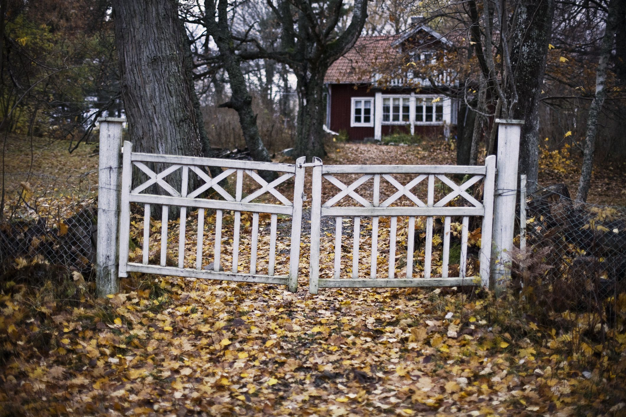 How To Fix A Sagging Wood Or Metal Fence Gate