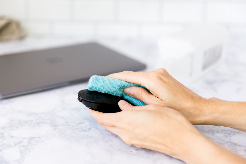 cleaning an external mouse