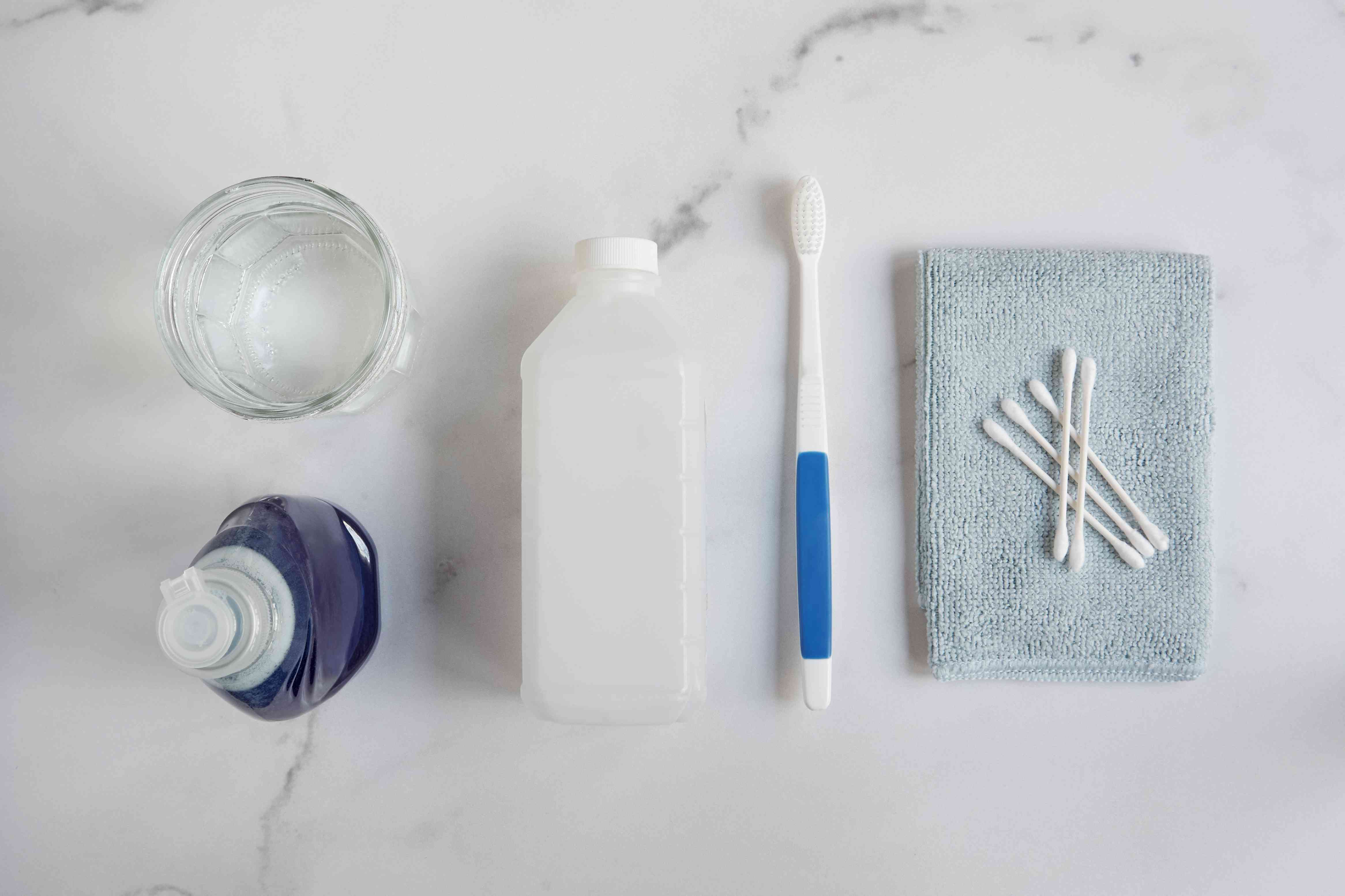 materials for cleaning earbuds