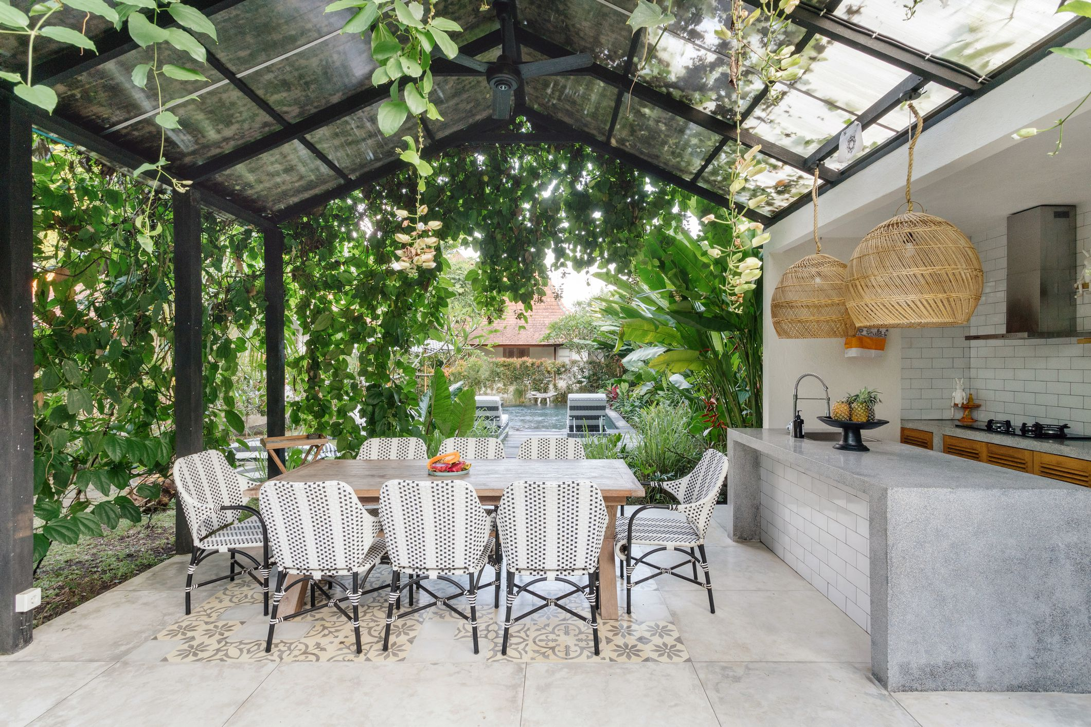 10 Fabulous Outdoor Dining Ideas